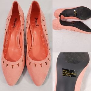 Qupid Peach Color Size 7 1/2 Kitten Heels Shoes
